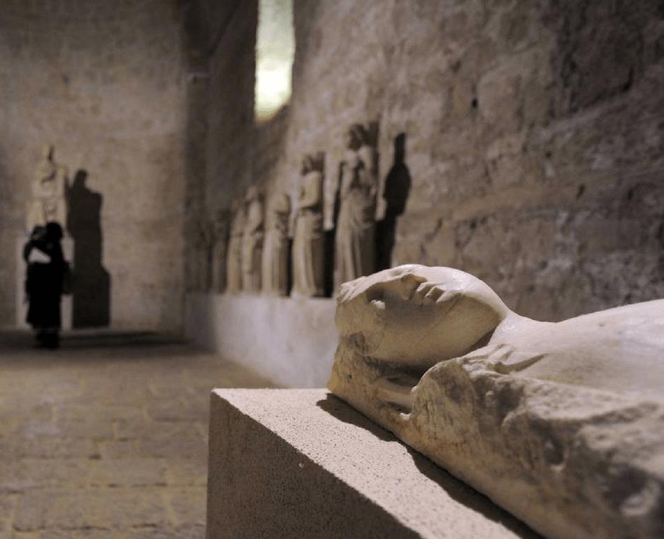 Tour sotteranei gotici certosa san martino